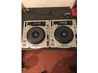 Full DJ set up - Pioneer CDJ 800's