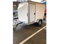 7 x; 4 x 5 Box trailer as new
