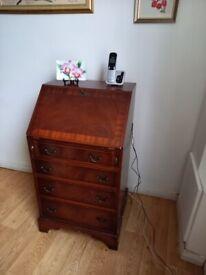 Small writing desk / bureau
