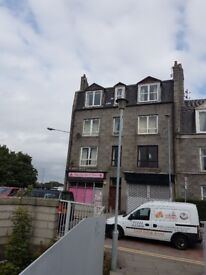 2 bedroom top floor furnished flat for rent near to Aberdeen University, retail parks,