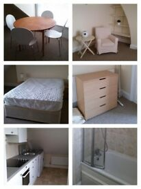 One double bedroom top floor flat (close to Cheltenham town centre) £585pcm -heating & hot water inc