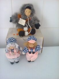 set of twins & Eskimo miniature porcelain dolls in a unmarked box
