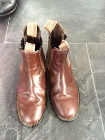Jodphur boots brown size 4
