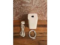 Apple Airport Extreme Router (802.11a/b/g/n/ac) A1521 6th Generation