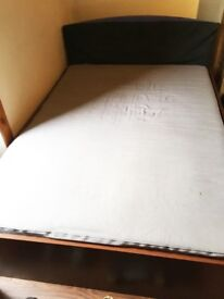 Double bed, wood slatted base & mattress - Glasgow Partick