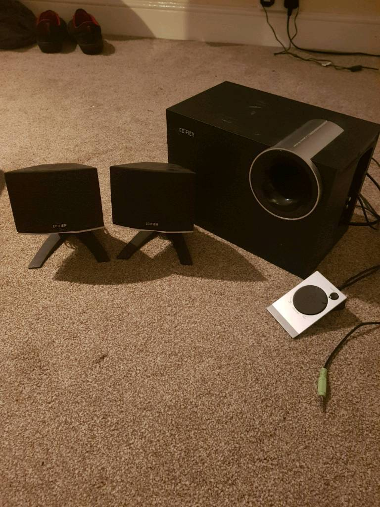 EDIFIER Base and Speakers