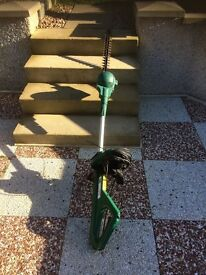 Fully extending electric hedge trimmer ( coopers! )