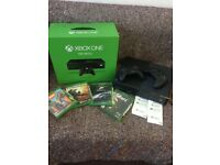 Xbox One 500GB, 2 controllers and games
