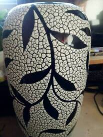 Black and white Asian style ceramic vase in good condition