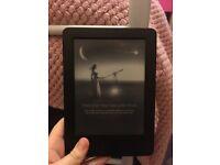 Kindle Paperwhite (amazon)