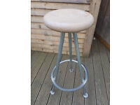 Art stool. Bar Stool. Sturdy. Fixed Height. £10 ono. Collection only (N12)