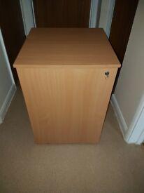 Lockable computer cabinet
