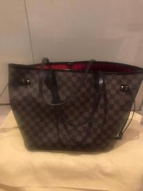 Authentic Louis Vuitton Neverfull Damier Ebene in MM