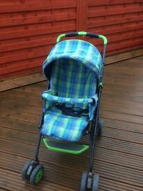 Mamas & Papas pushchair with fitted shopping tray in excellent condition £40