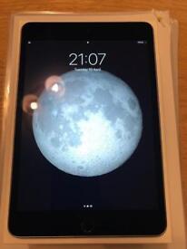 Apple iPad mini 4 64GB, Wi-Fi, 7.9in - Space Grey - with Bluetooth Keyboard