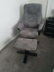Brading Manual Swivel Recliner Chair with Footstool