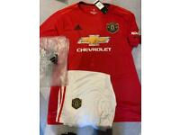 Brand new Manchester UTD Home kit Size XL
