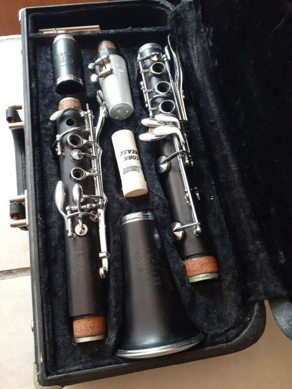Selmer Signet Soloist Wooden Clarinet Selmer Case Included