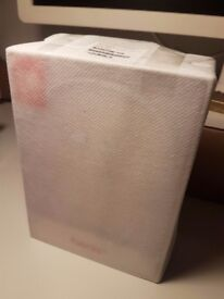 Brand new BEATS X ZML WHITE. Unopened box. Bought the 02/08/17. Include original Apple store invoice