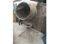 Belle 150 Minimix cement mixer 240v Leatherhead Surrey J9/M25