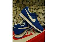 MEN'S NIKE MD RUNNER SIZE 6