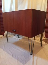 Retro vintage mid cent tv cabinet