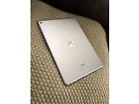 iPad Air 2 64gb/9.7inch+2 Cases