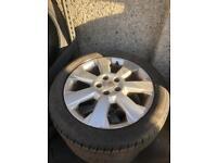 """17"""" Vauxhall's 5 stud alloy wheels 215/50/17"""