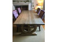 Dining table in reclaimed wood and 8 velvet knocker chairs