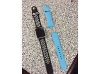 Original Apple Watch 38mm - Extra Band - Cracked Display