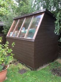WOODEN POTTING SHED 8 X 6 APPROX