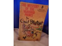 2 Vintage Enid Blyton books about the Five Find-Outers