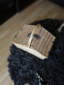 Wicker picnic bascket