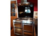 Hotpoint Range Cooker with hood