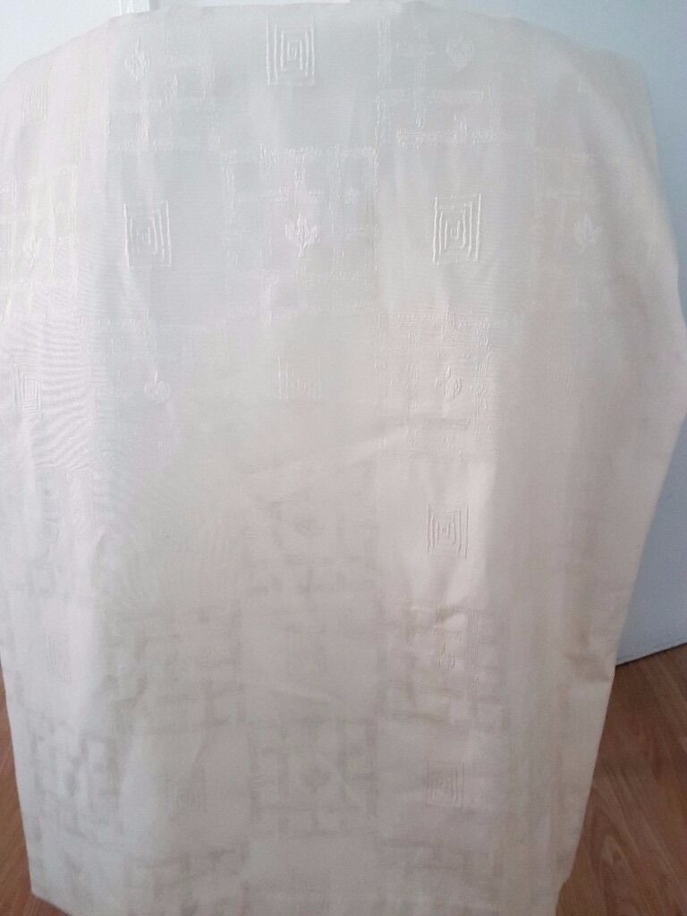 off white curtainin Hackney, LondonGumtree - off white beautiful curtain. one panel only length 190cm width 230 cm have a look at the other items