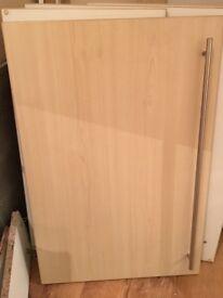 Kitchen doors with handles