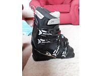 Ladies Salomon ski boots 25.0