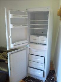 BROKEN Indesit INC325AI Fridge Freezer Built-in FAULTY 3years old 260Litres