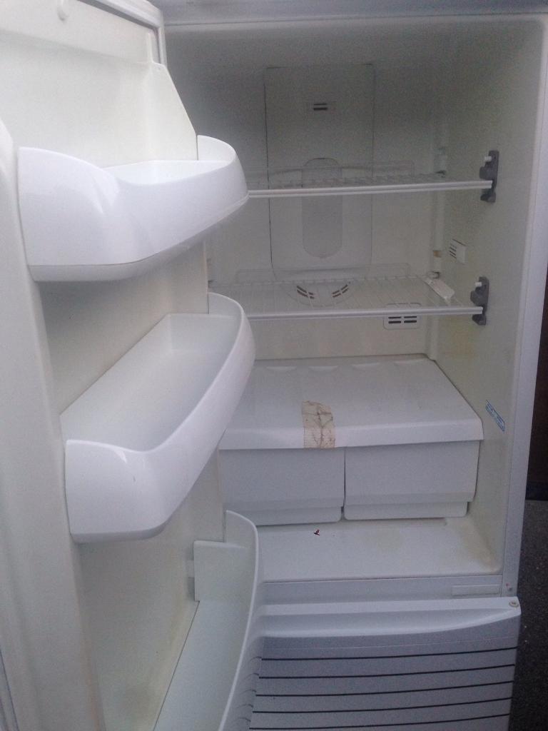 Serves fridge freezer