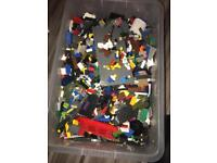 6.35 kg of Lego and mixed characters
