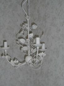 BEAUTIFUL SMALL 3 ARM CHANDELIER