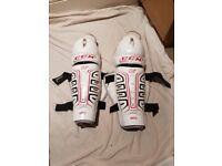 CCM U+ FiT 03 Ice Hockey Shin Guards
