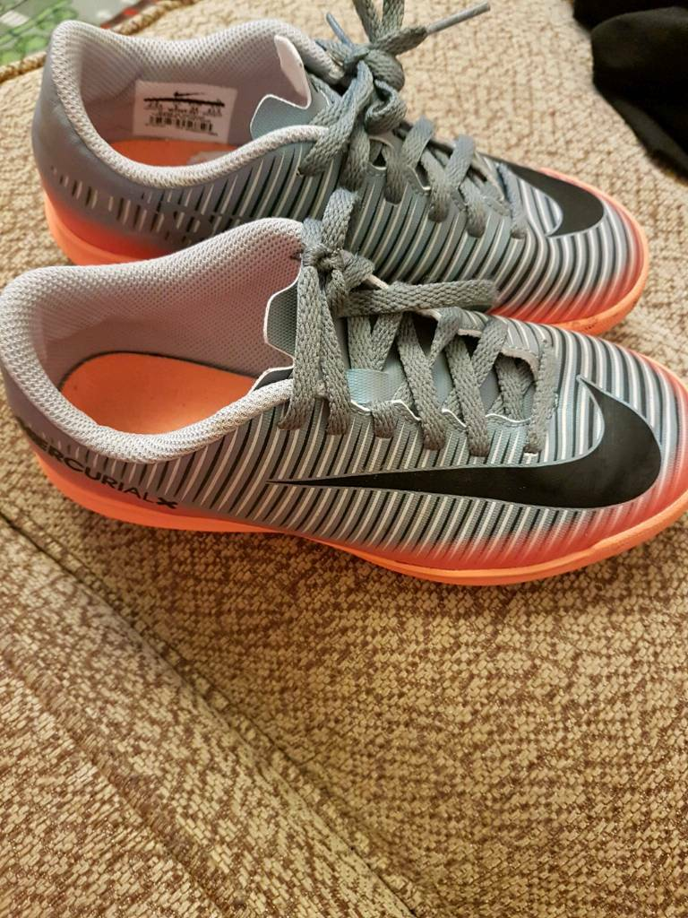 Boys football trainers size 2