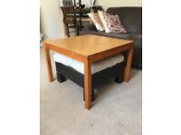 Coffee table & footrest in good condition