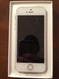 iPhone se white and silver