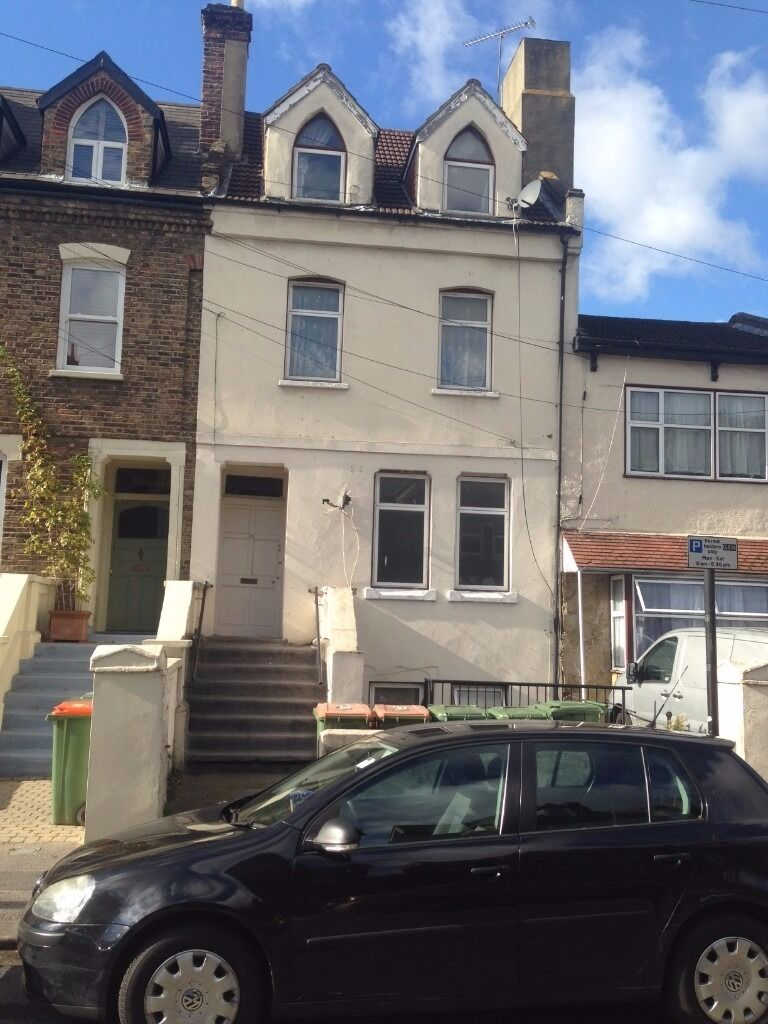 MASSIVE SIX BEDROOM TOWN HOUSE TO LET IN PALMERSTON ROAD, MANOR PARK. E7 8BP