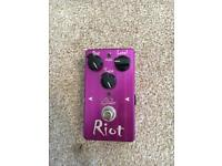 Suhr riot distortion guitar pedal