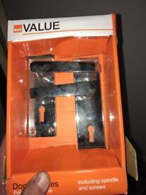 Door handle with key hole