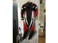 Ladies 2 piece Dainese Leathers. Reduced