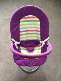 Baby bouncer vibrating & musical
